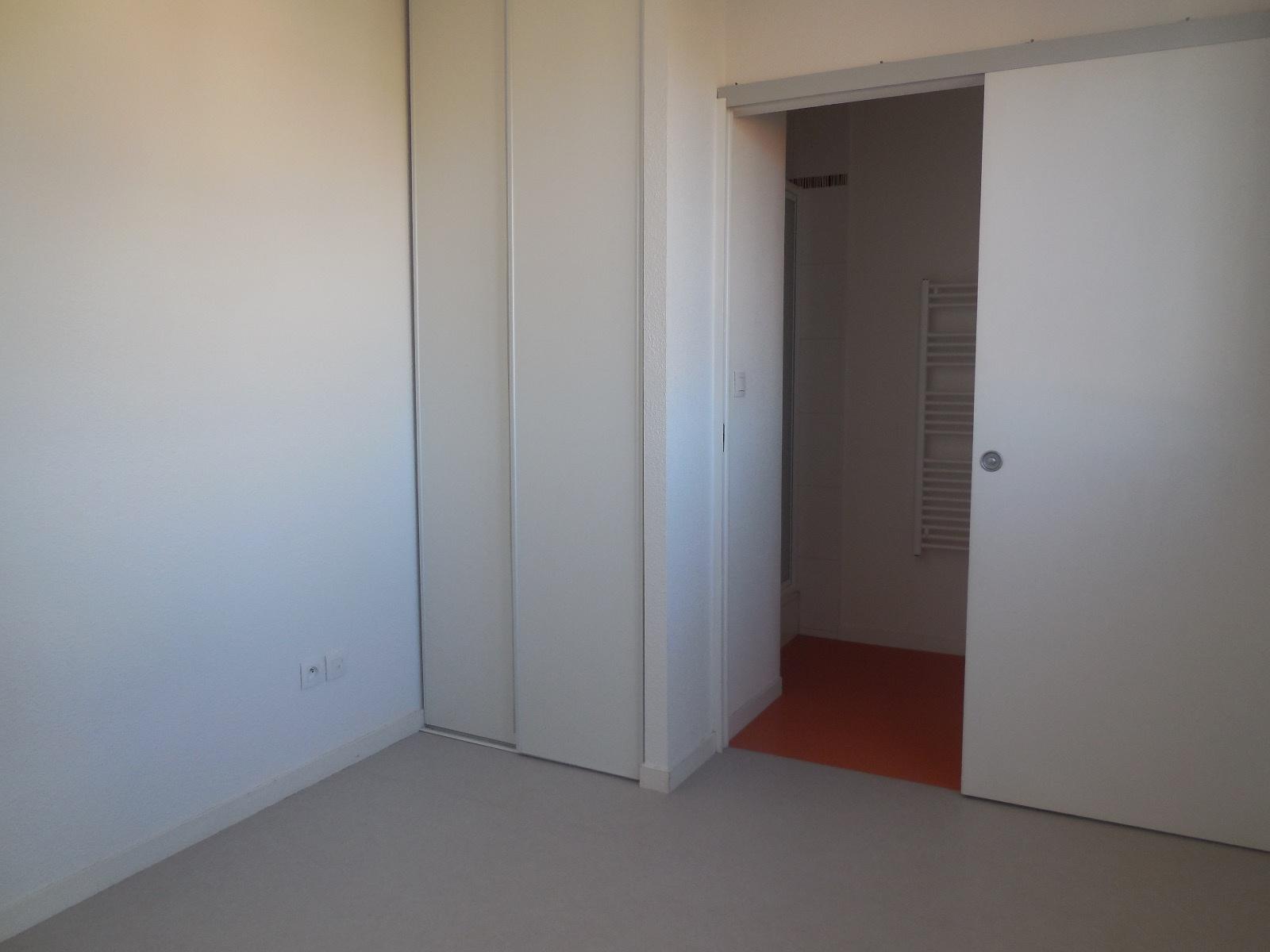 appartement la rochelle T2 LA ROCHELLE QUARTIER PORTE ROYALE