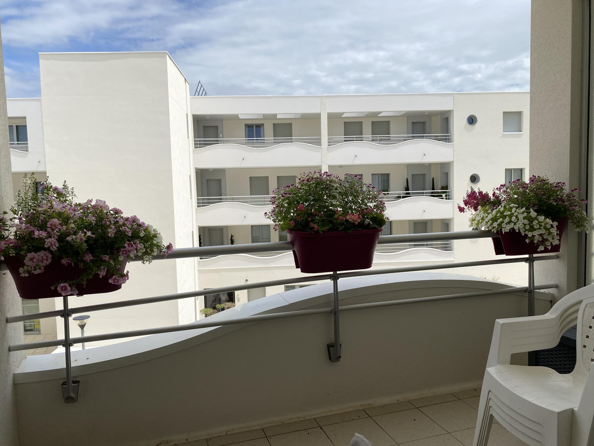 appartement la rochelle QUARTIER MEDIATHEQUE - T2 AVEC TERRASSE ET GARAGE