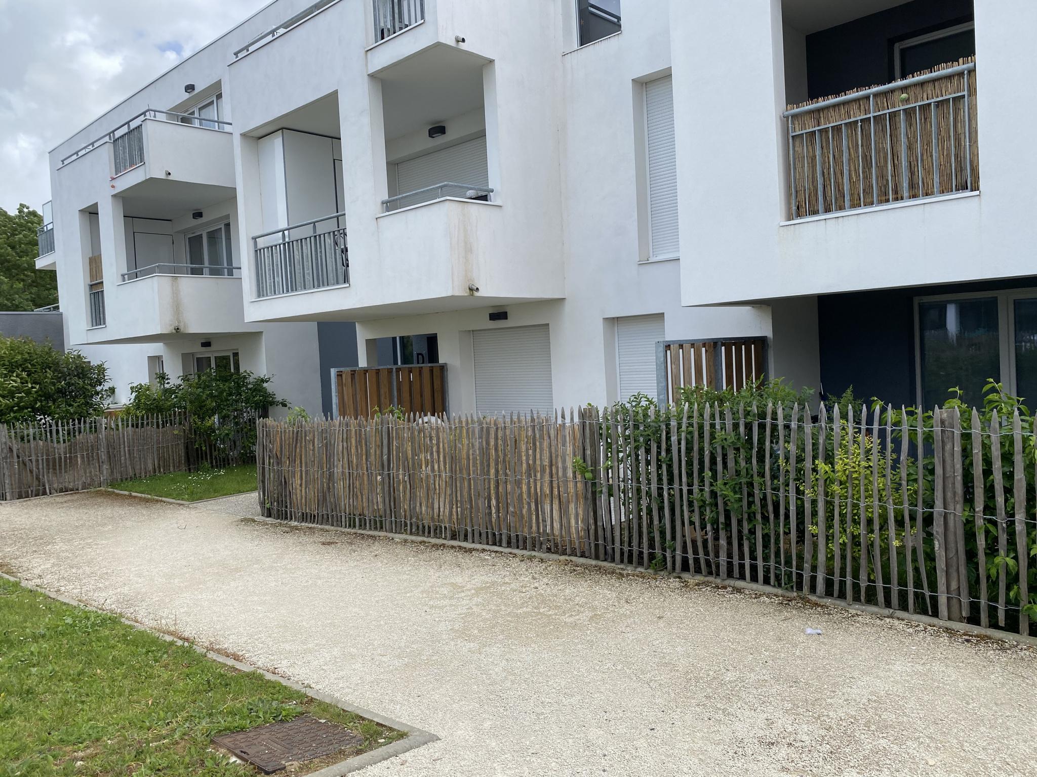 appartement la rochelle LA ROCHELLE - TYPE 3 AVEC GRANDE TERRASSE SUD