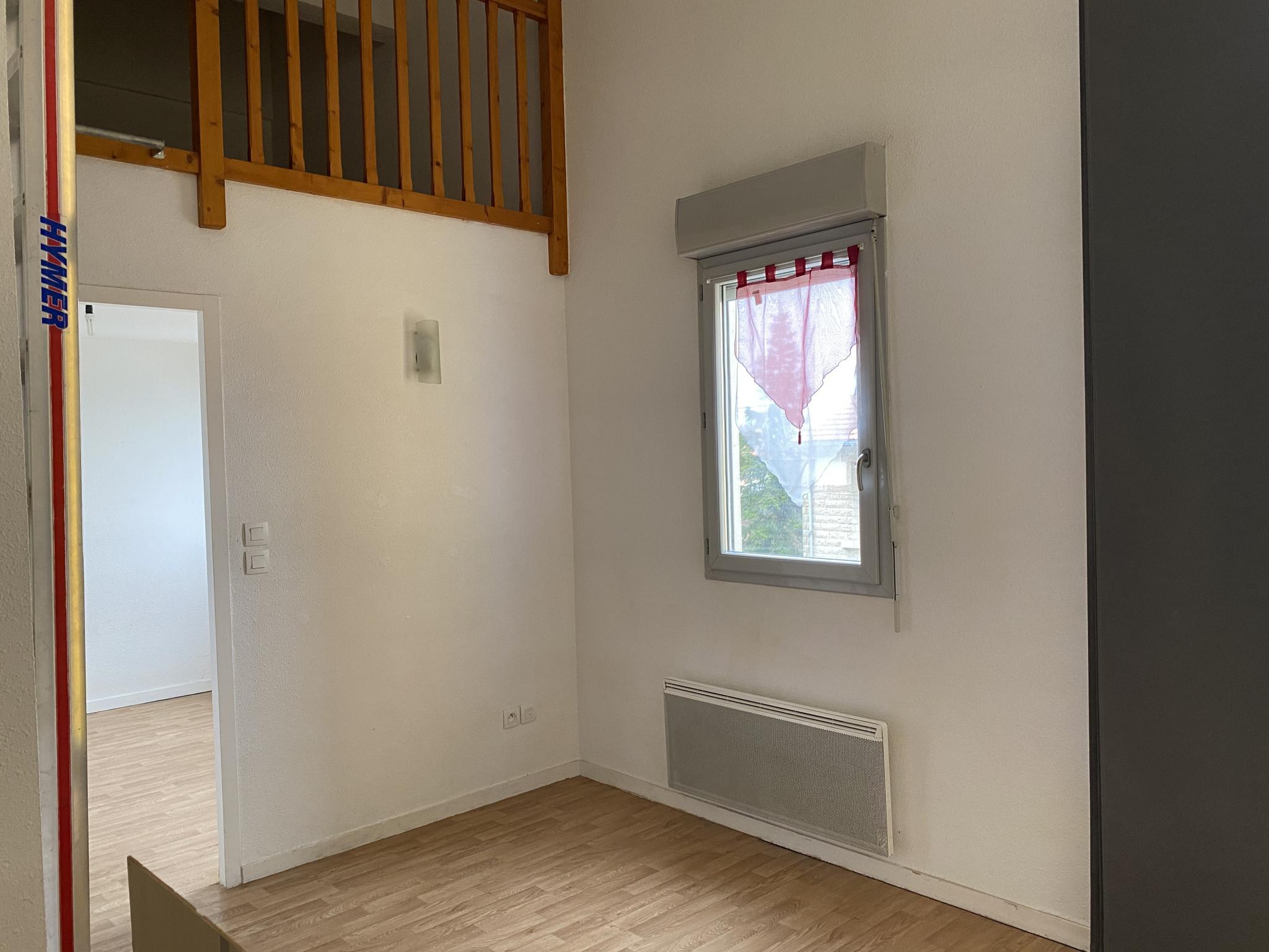 appartement la rochelle LA ROCHELLE CENTRE - APPARTEMNT T2 BIS AVEC STATIONNEMENT
