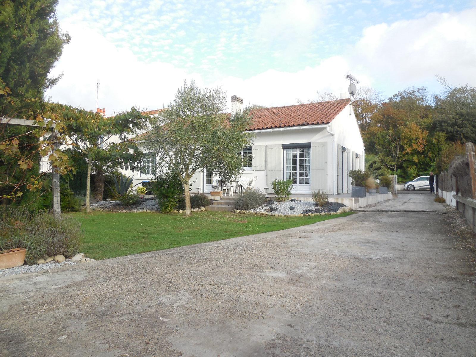 maison/villa l houmeau A DEUX PAS DE L'ILE DE RE !